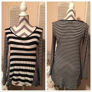 Flowy Black And White Striped Long Sleeve Top